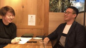 保坂俊希インタビュー中の写真