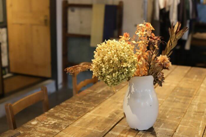 ボンシイクのテーブルの写真