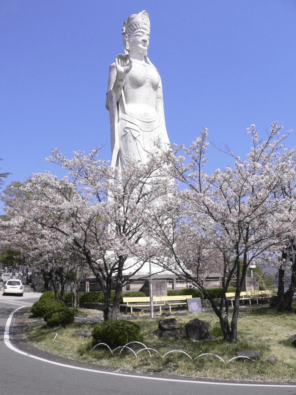 韮崎平和観音の写真
