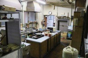 1階にある大きな厨房