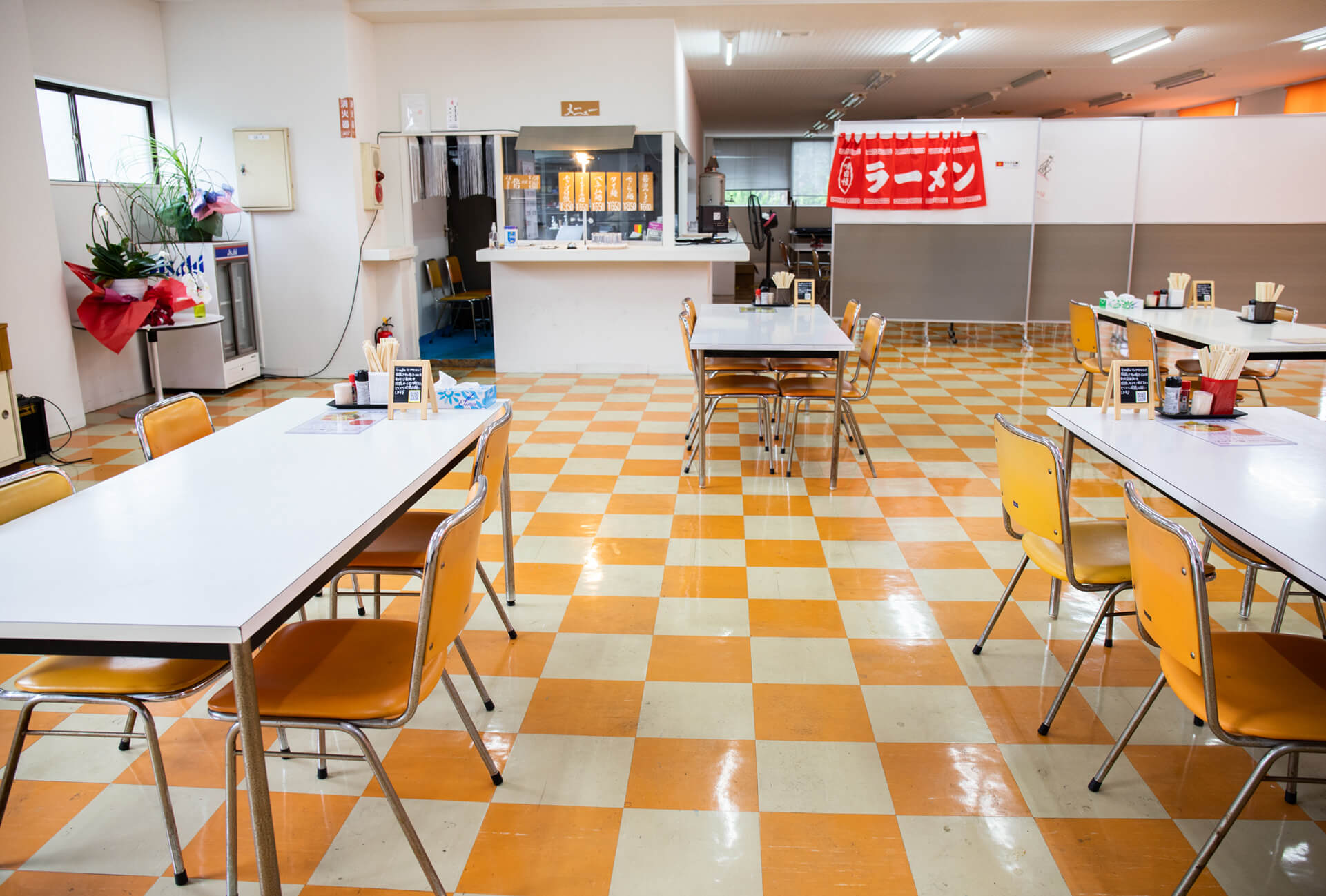 食堂の館内
