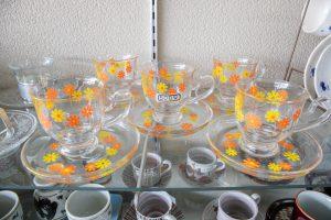 ガラス製のカップ&ソーサー